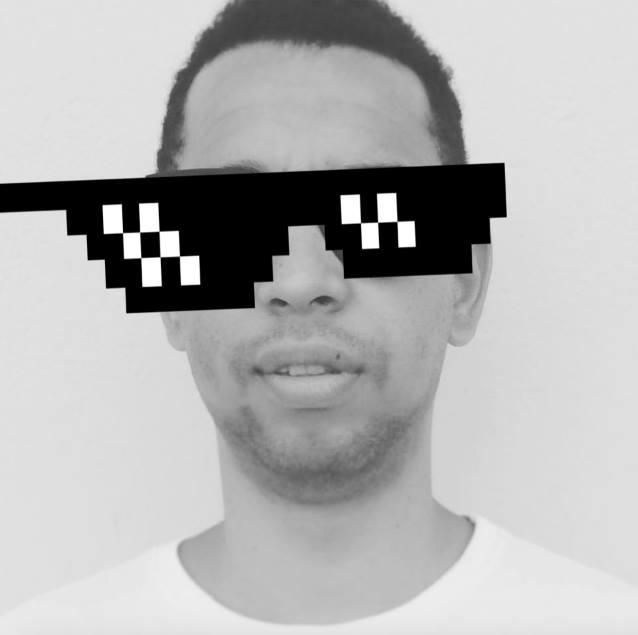 Foto de perfil estilo Thug Life de Tuíris de Azevedo // Diretor de arte e Webdesigner em Lauro de Freitas e Salvador, bahia.
